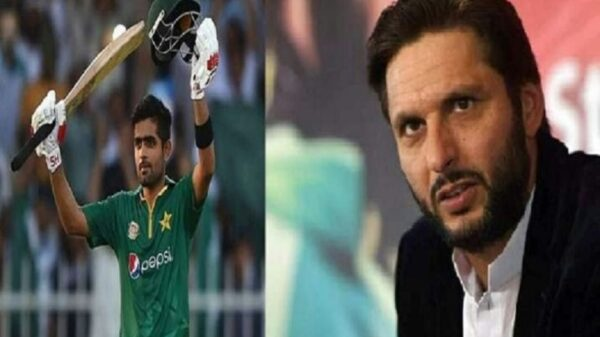 পাকিস্তান ক্রিকেটের বাবর হচ্ছেন মেরুদণ্ড: আফ্রিদি